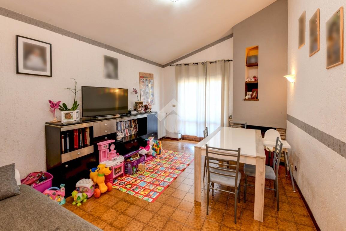 2 locali Via Divisione Acqui, Sirmione - Appartamenti in ...