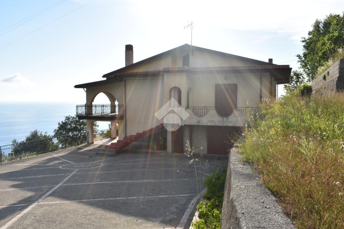 Annuncio Ville in vendita a Paola, Cosenza. € 220.000, 350 ...