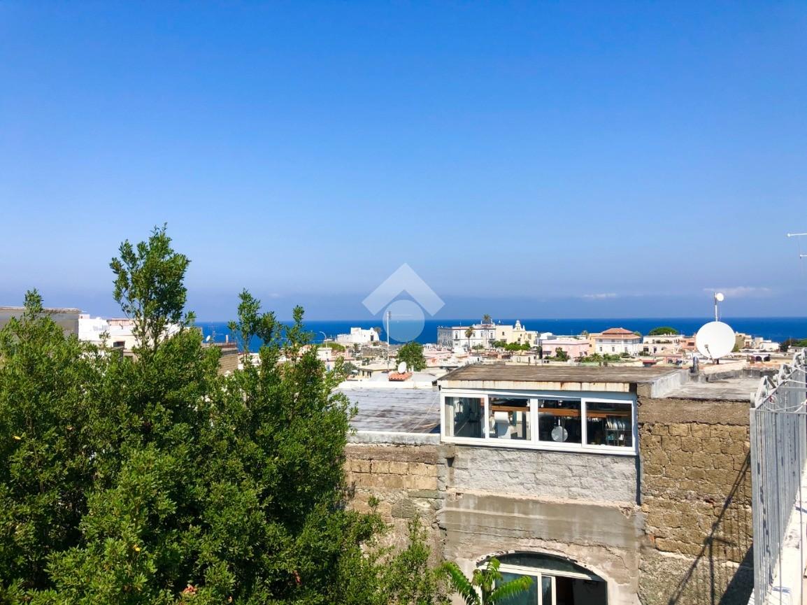 3 locali Via San Giovanni Vico IV, Forio - Appartamenti in ...