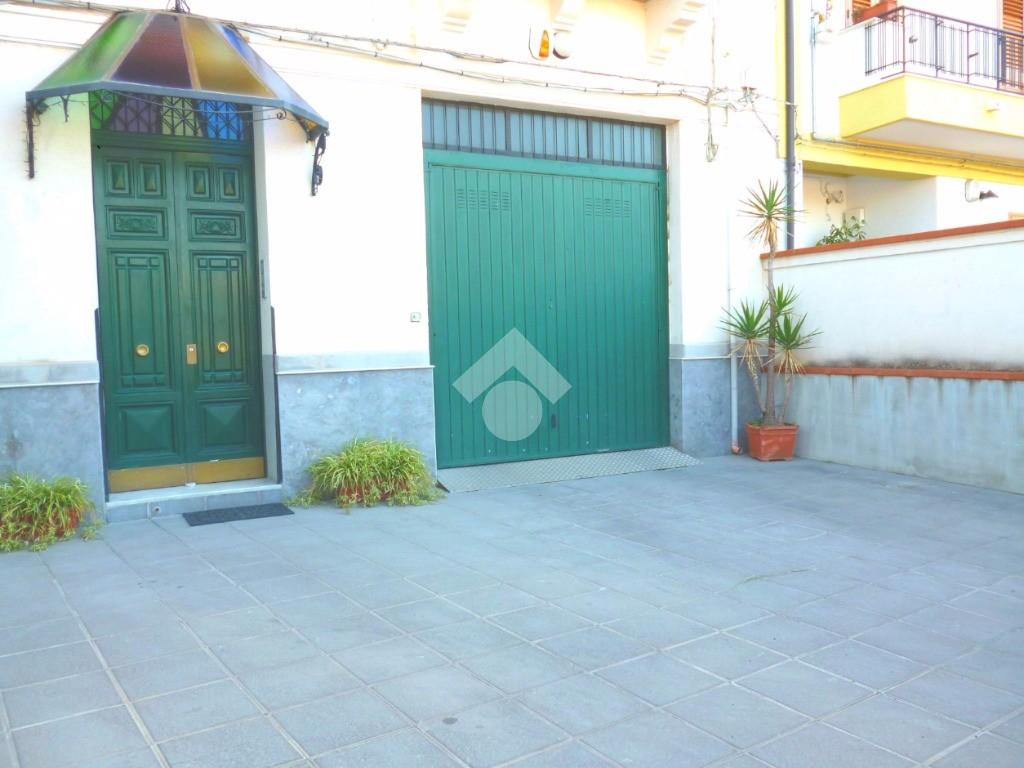 Annuncio Appartamenti in affitto a Palermo, Palermo. € 450 / mese, 105 mq - Tecnocasa.it - 40346290