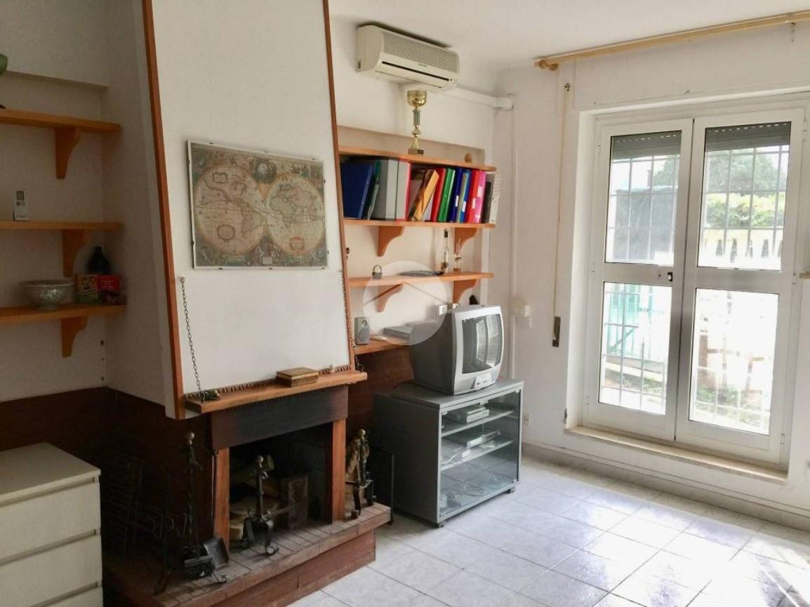 3 locali lungomare enea, Anzio - Appartamenti in vendita ...