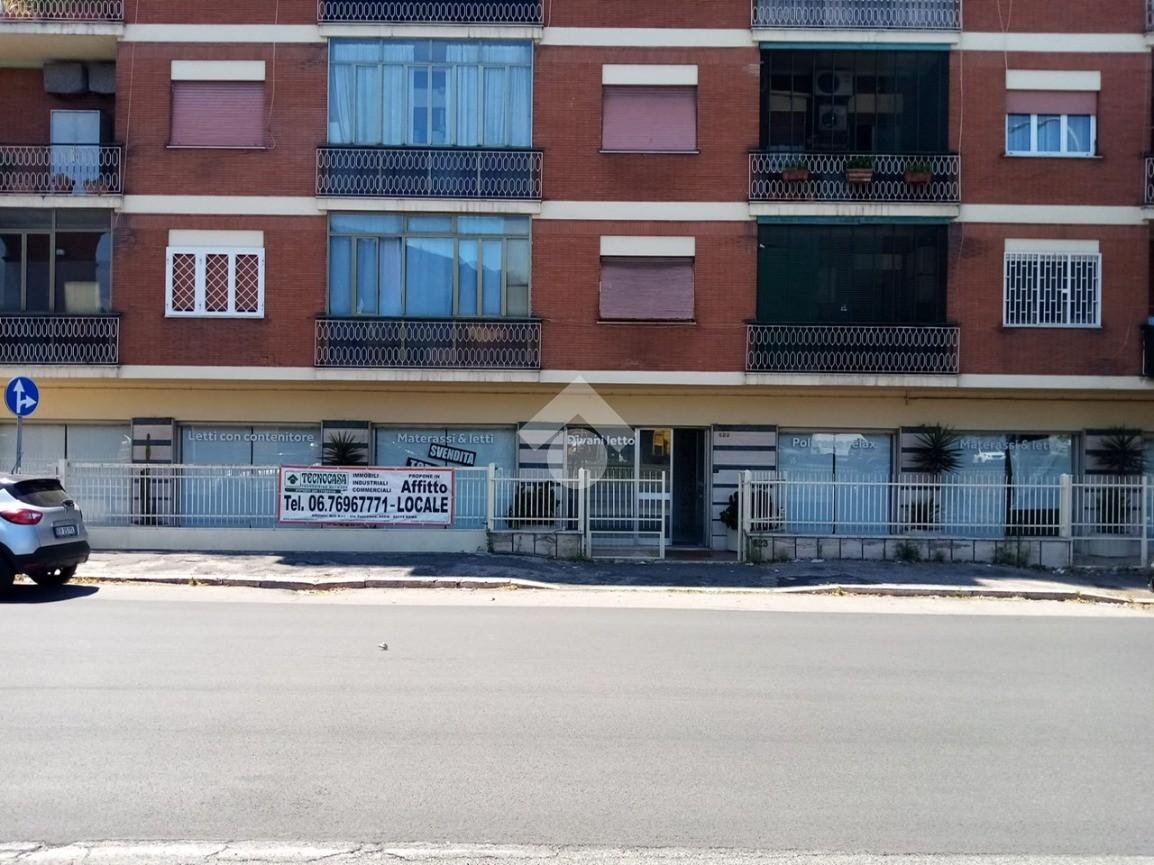 negozio Viale Palmiro Togliatti, Roma - Negozio in affitto ...